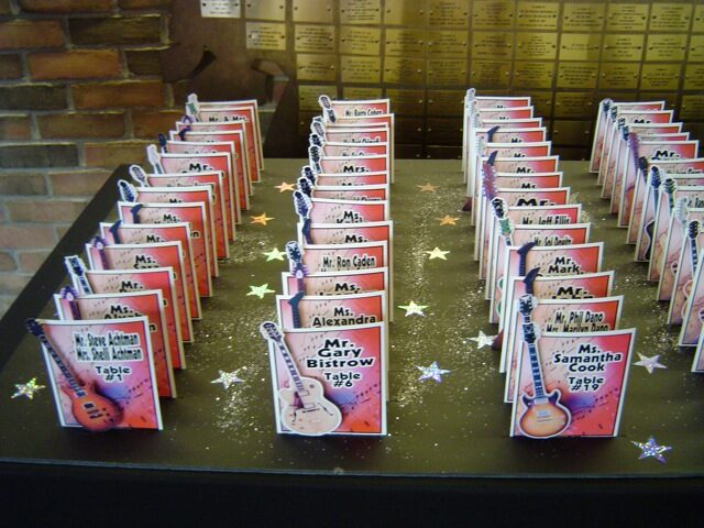 guitar escort card or placard