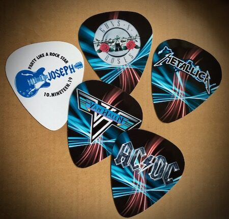 guitar place card picks